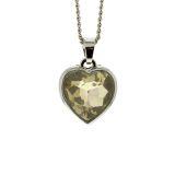 Halsband med hjärtformad kristall
